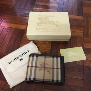 Burberry Mens bifold wallet