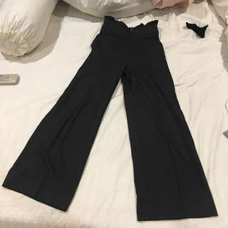 body-fit dark grey pants