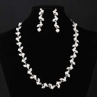 Brand new jewelry set