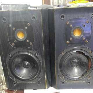 Jmlab focal micron speaker 高音靚 ㄧ個低音孄了 4個都運作正常 音箱超殘