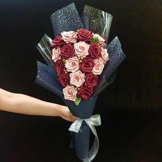 18 Ribbon Rose Bouquet