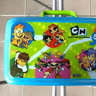 Lunch box / toys container