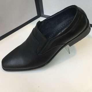 Blackshoes/leather