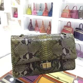 Chanel 喜馬拉雅原色蟒蛇皮2.55 🤩太少見了,普皮原價都5萬+了,這個還是特殊皮呢[色] 原價貴死!現在便宜爆炸了新年好價 品相新同