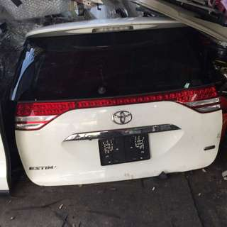 Toyota Estima rear boot