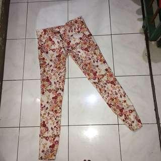 [PRELOVED] Flower Pants / Jeans