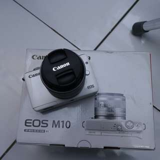 Canon eos M10 fullset bekas rasa baru