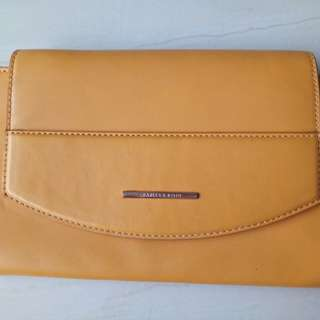 Clutch Charles & Keith