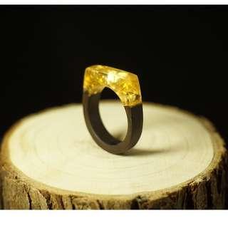 水晶膠金箔黑檀木戒指
