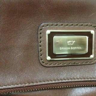 Authentic Braun Buffel Coklat Gelap