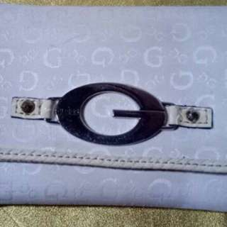 Dompet guess guess stradivarius