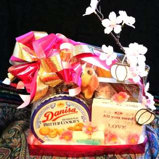 Chinese New Year Hampers by Raimbow Wish