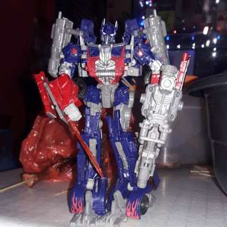 Transformer voyager class optimus prime