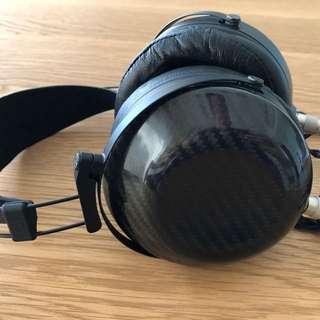 MrSpeakers Ether C closed carbon headphone