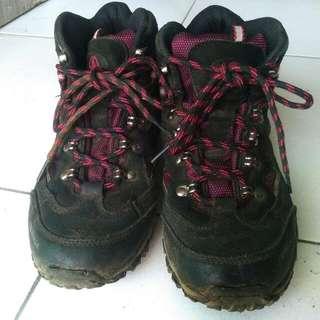 Sepatu Hiking TERNUA