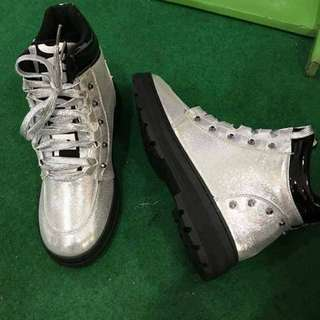 HIGH CUT/BOOTS SILVER GLITTERY SHOES