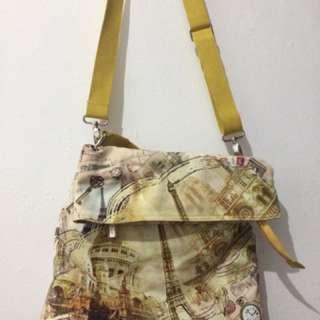 Sling bag bermotif dengan 2 strap