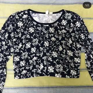 navy blue floral crop top