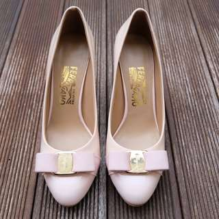 Salvatore Ferragamo Vara Bow Pump Shoes in Pink Nude (Mirror Quality)