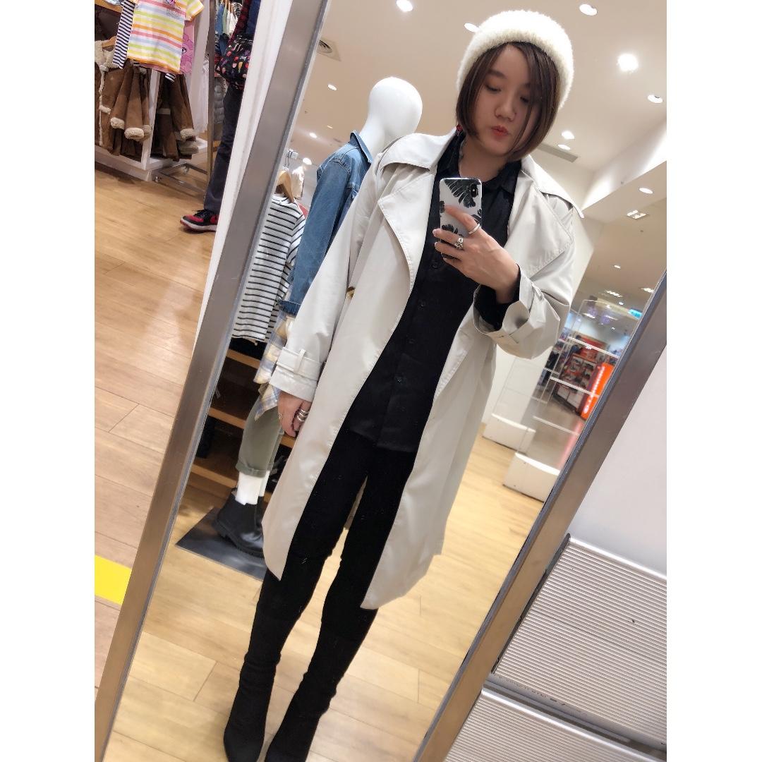 『2018春季~薄款單層雙排扣中長版繫帶風衣外套。黑 米白2色』