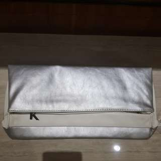 Limited edition kerastase pouch