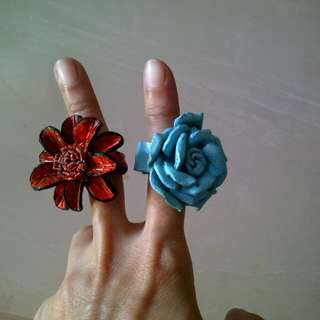 Flowery leather ring