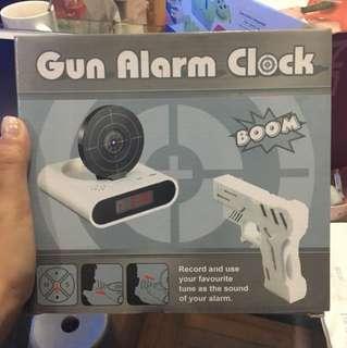 全新Gun Alarm Clock