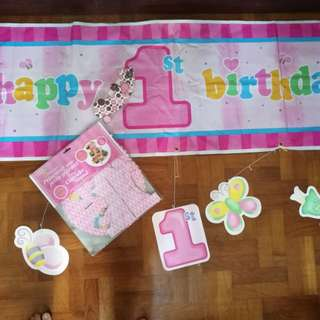 banner for 1st birthday (girl) wiyh princess cup cake stand (foc cupcake holder)