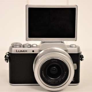 (二手) 銀黑色 Panasonic Lumix GF8 微單眼相機 + 12-32mm鏡頭 / 附保護鏡
