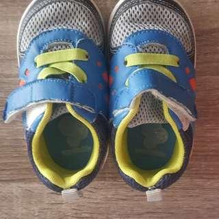 Toezone / Osh Kosh boy shoe