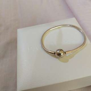 (Ready Stock)Authentic Pandora Bangle