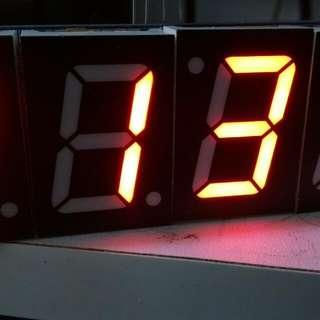 🚚 自行焊接體驗電子鐘學習包