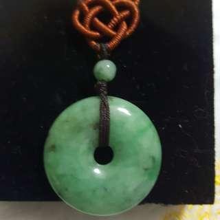 天然緬甸玉a貨綠大咪平安扣內含天然深色石紋別有特色.男女皆可佩戴
