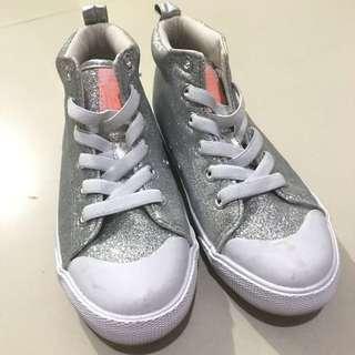 H&M Sneaker Size 31
