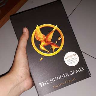 The Hunger Games by Suzanne Collins (English)