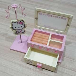 CNYsale Hello Kitty Jewellery Holder
