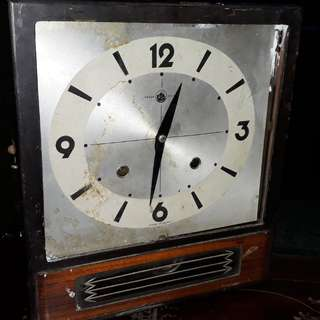 vintage Japan clock trade mark /need little repair
