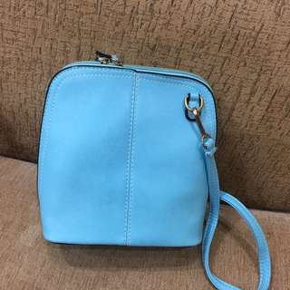 Sling bag light blue