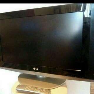 LG LCD TV 26 INCH