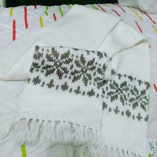 Syal white motif