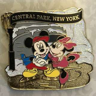 New York Disney Central Park Pin 紐約廸士尼紀念襟章