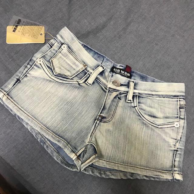 全新品 sin wau 淺色彈性刷白 短褲 s號 豐臀 翹臀設計