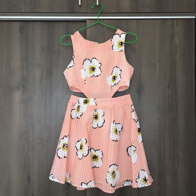 💯 Urmoda Floral Cut Out Dress
