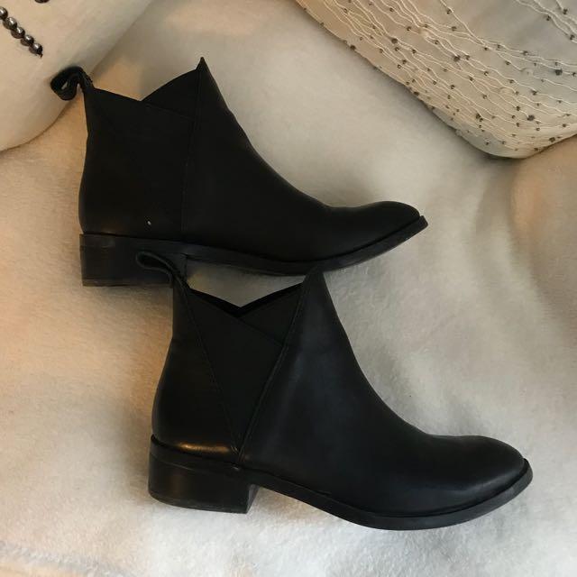 Aldo Leather Chelsea Boots