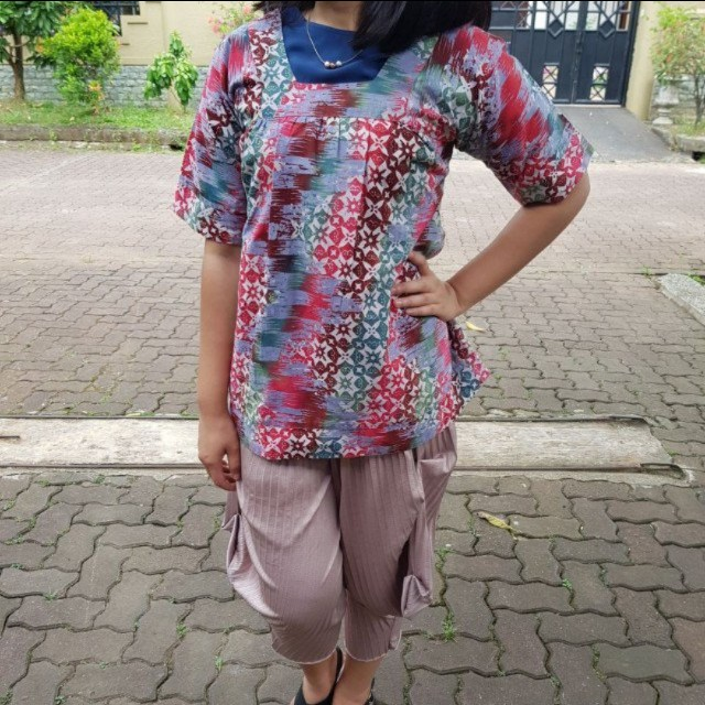 Blouse Pita Manis semi Batik