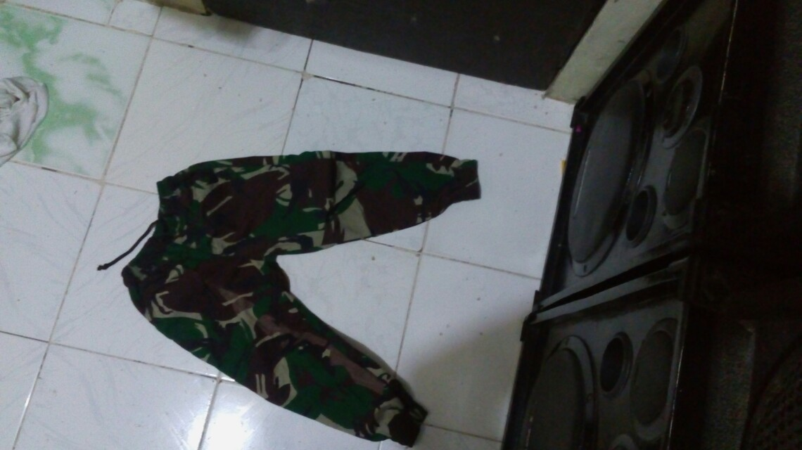 sale 150 pesos Camouflage jogger with cap
