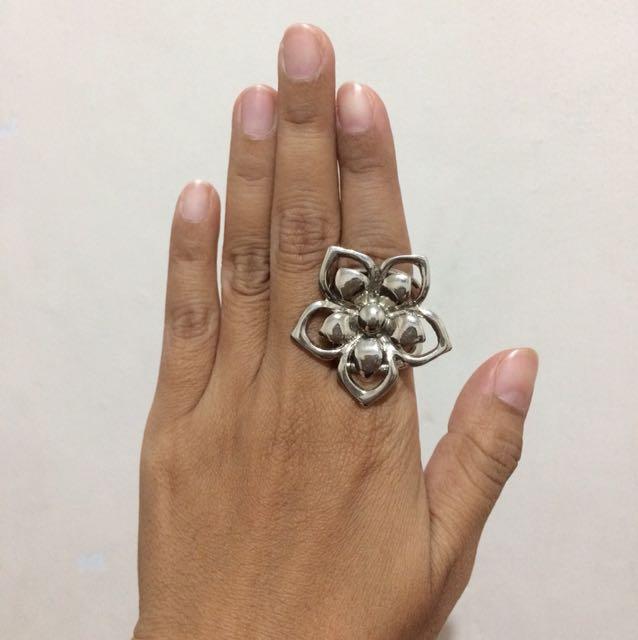 cincin bunga