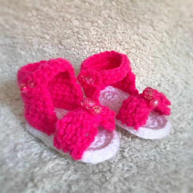 Crochet baby girl sandals