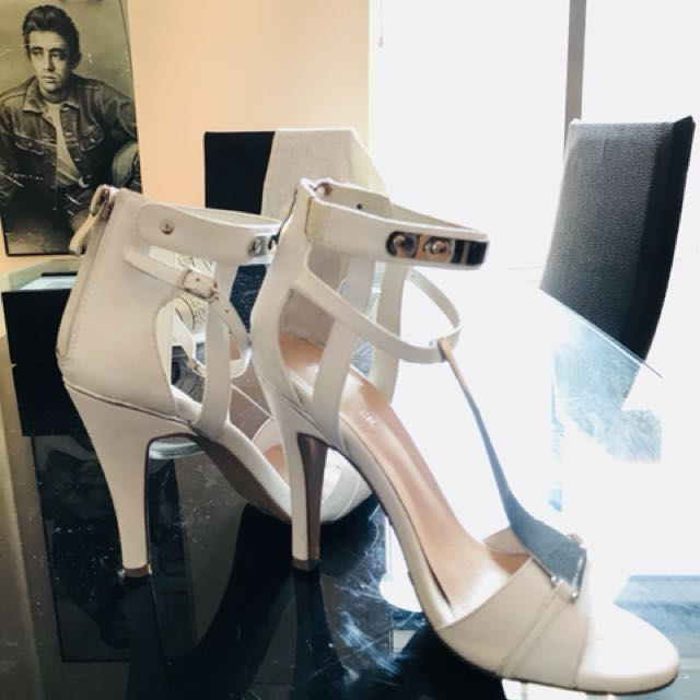 Jo Mercer  5.5  Stunning white Shoes