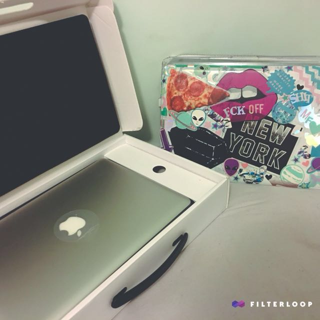 Macbook Pro mid 2012 with box and accessories